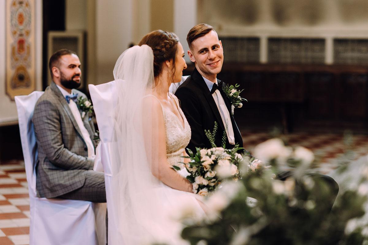 slow-wedding-przygotowania-slubne-apartamenty-sowa-slub-kosciol-sw-Trojcy-Bydgoszcz-wesele-pod-namiotem-garden-party-w-stylu-slow-Dominika-Tom-085