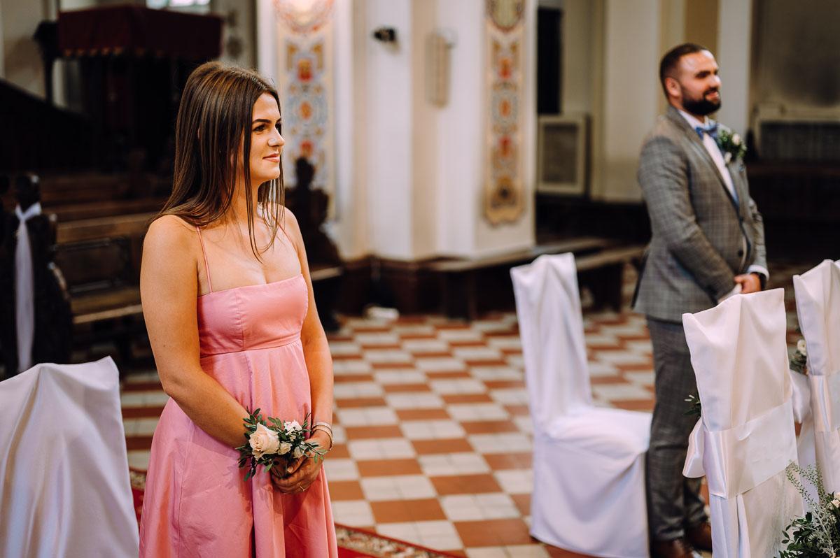 slow-wedding-przygotowania-slubne-apartamenty-sowa-slub-kosciol-sw-Trojcy-Bydgoszcz-wesele-pod-namiotem-garden-party-w-stylu-slow-Dominika-Tom-089