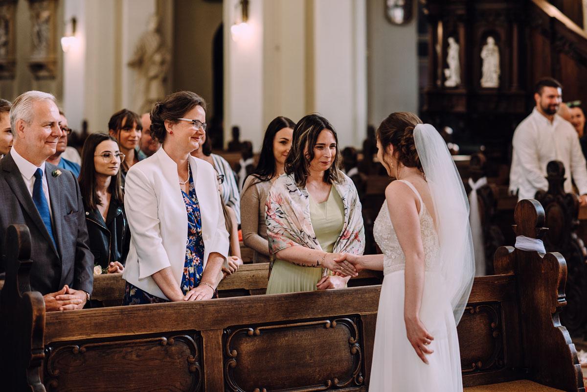 slow-wedding-przygotowania-slubne-apartamenty-sowa-slub-kosciol-sw-Trojcy-Bydgoszcz-wesele-pod-namiotem-garden-party-w-stylu-slow-Dominika-Tom-102