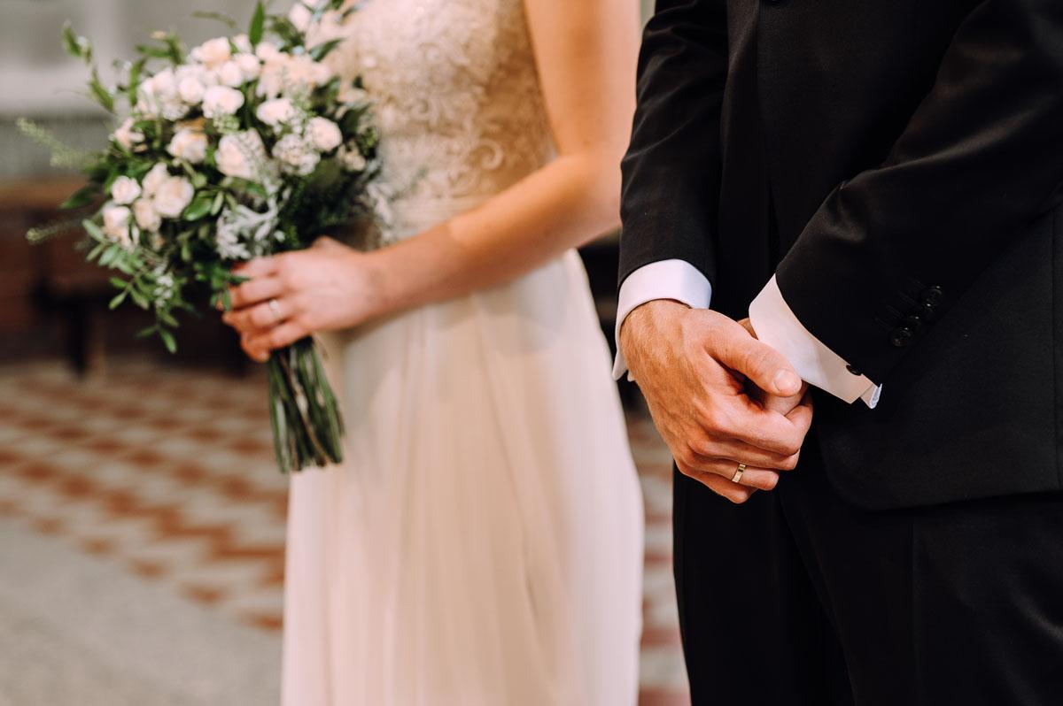 slow-wedding-przygotowania-slubne-apartamenty-sowa-slub-kosciol-sw-Trojcy-Bydgoszcz-wesele-pod-namiotem-garden-party-w-stylu-slow-Dominika-Tom-104