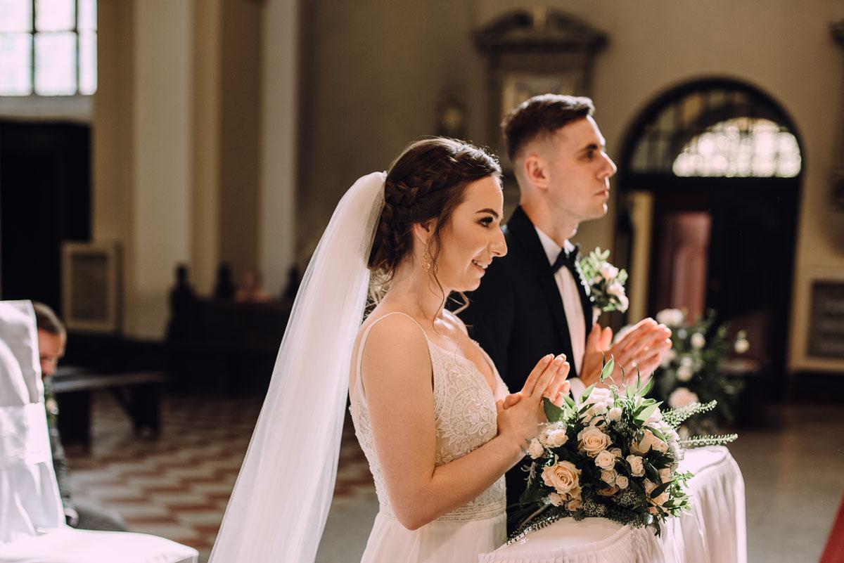 slow-wedding-przygotowania-slubne-apartamenty-sowa-slub-kosciol-sw-Trojcy-Bydgoszcz-wesele-pod-namiotem-garden-party-w-stylu-slow-Dominika-Tom-106
