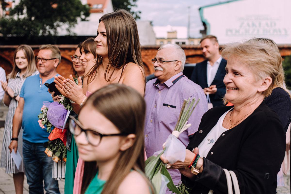 slow-wedding-przygotowania-slubne-apartamenty-sowa-slub-kosciol-sw-Trojcy-Bydgoszcz-wesele-pod-namiotem-garden-party-w-stylu-slow-Dominika-Tom-116