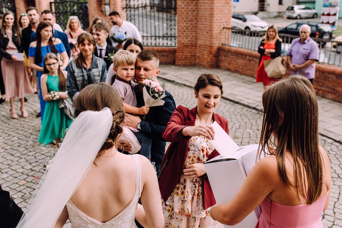 slow-wedding-przygotowania-slubne-apartamenty-sowa-slub-kosciol-sw-Trojcy-Bydgoszcz-wesele-pod-namiotem-garden-party-w-stylu-slow-Dominika-Tom-121