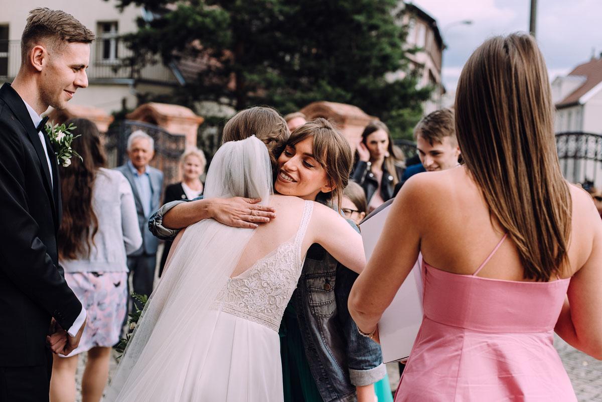 slow-wedding-przygotowania-slubne-apartamenty-sowa-slub-kosciol-sw-Trojcy-Bydgoszcz-wesele-pod-namiotem-garden-party-w-stylu-slow-Dominika-Tom-124
