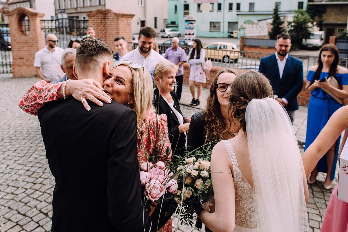 slow-wedding-przygotowania-slubne-apartamenty-sowa-slub-kosciol-sw-Trojcy-Bydgoszcz-wesele-pod-namiotem-garden-party-w-stylu-slow-Dominika-Tom-128