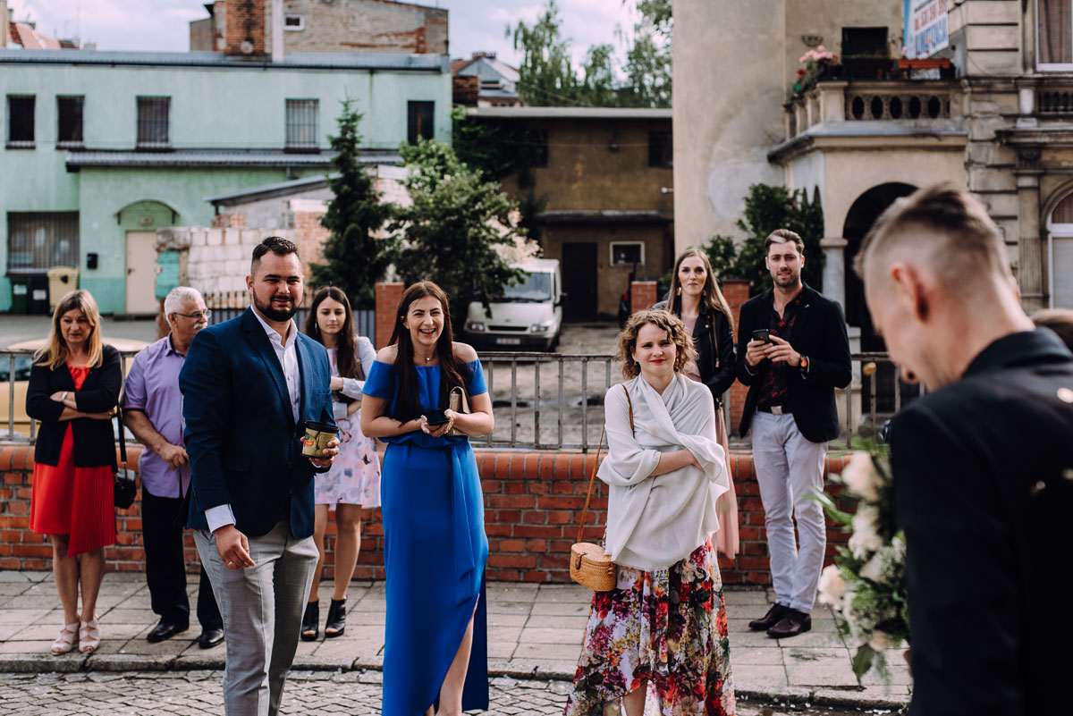 slow-wedding-przygotowania-slubne-apartamenty-sowa-slub-kosciol-sw-Trojcy-Bydgoszcz-wesele-pod-namiotem-garden-party-w-stylu-slow-Dominika-Tom-130