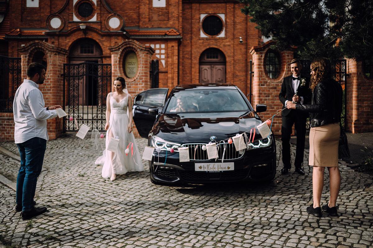 slow-wedding-przygotowania-slubne-apartamenty-sowa-slub-kosciol-sw-Trojcy-Bydgoszcz-wesele-pod-namiotem-garden-party-w-stylu-slow-Dominika-Tom-134