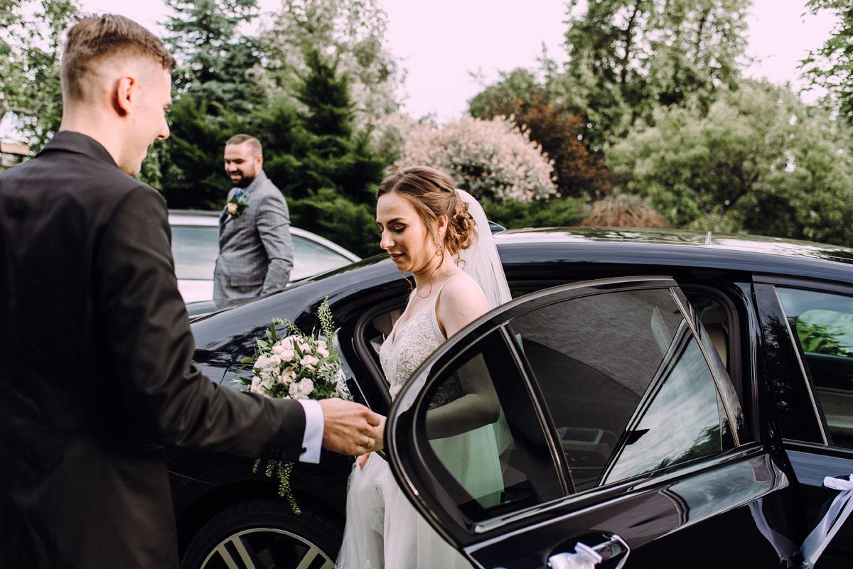 slow-wedding-przygotowania-slubne-apartamenty-sowa-slub-kosciol-sw-Trojcy-Bydgoszcz-wesele-pod-namiotem-garden-party-w-stylu-slow-Dominika-Tom-137