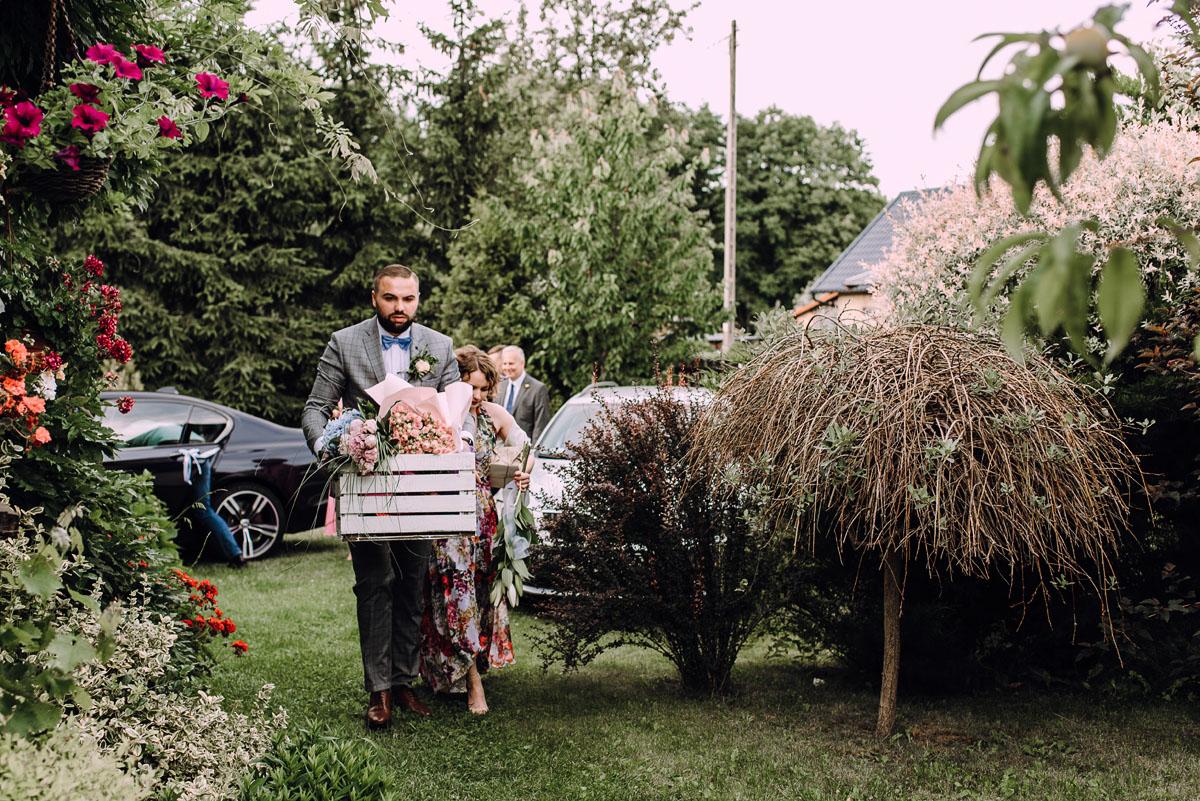 slow-wedding-przygotowania-slubne-apartamenty-sowa-slub-kosciol-sw-Trojcy-Bydgoszcz-wesele-pod-namiotem-garden-party-w-stylu-slow-Dominika-Tom-141