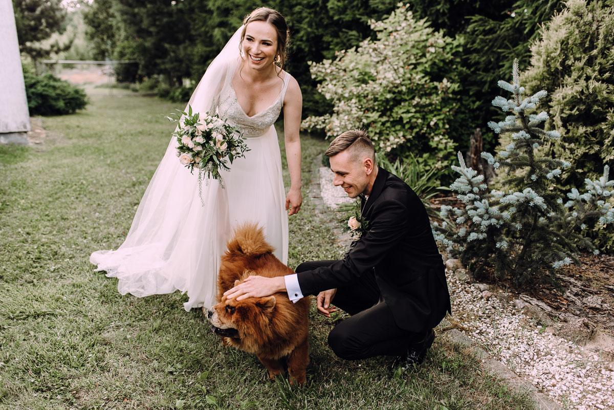 slow-wedding-przygotowania-slubne-apartamenty-sowa-slub-kosciol-sw-Trojcy-Bydgoszcz-wesele-pod-namiotem-garden-party-w-stylu-slow-Dominika-Tom-143