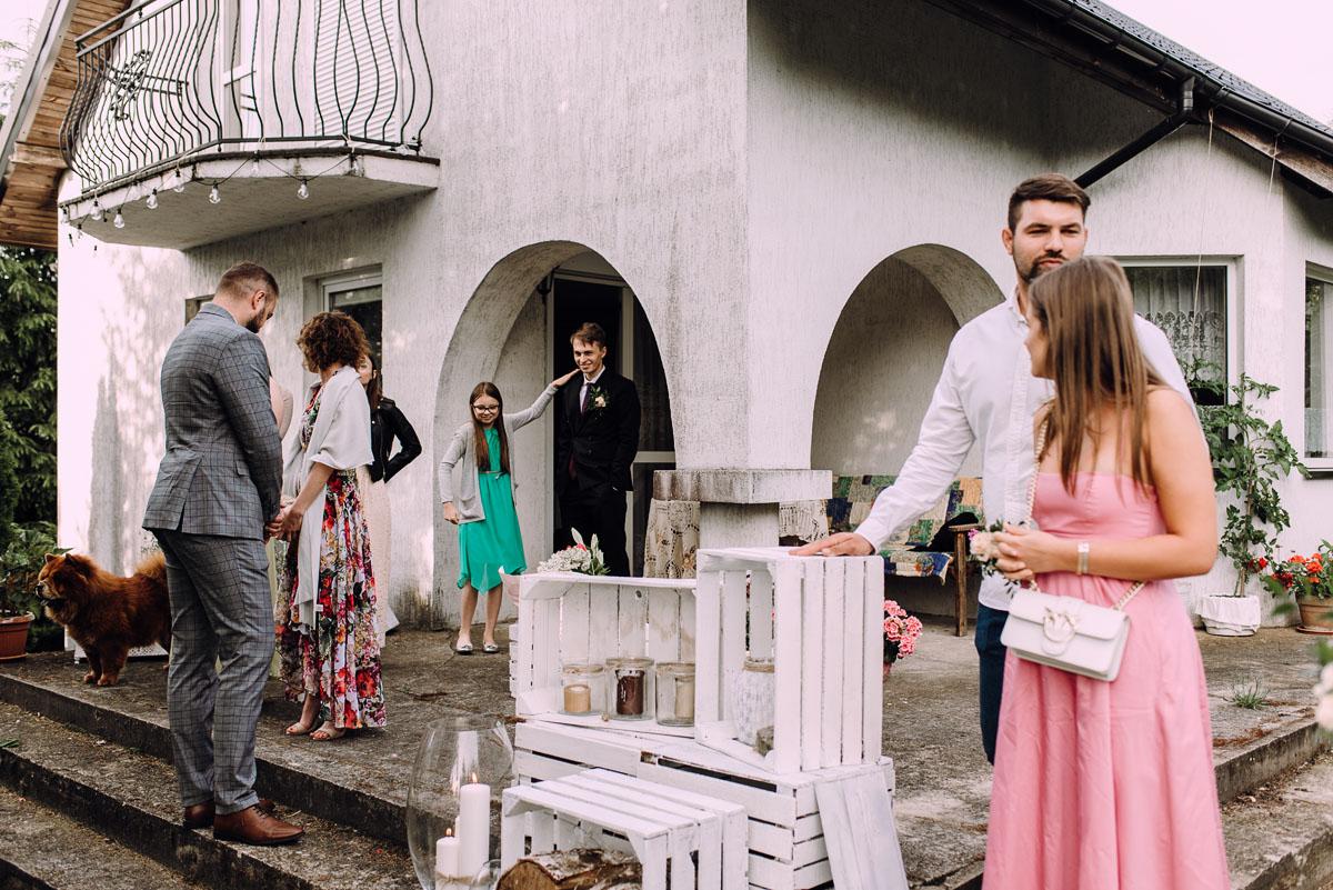 slow-wedding-przygotowania-slubne-apartamenty-sowa-slub-kosciol-sw-Trojcy-Bydgoszcz-wesele-pod-namiotem-garden-party-w-stylu-slow-Dominika-Tom-144