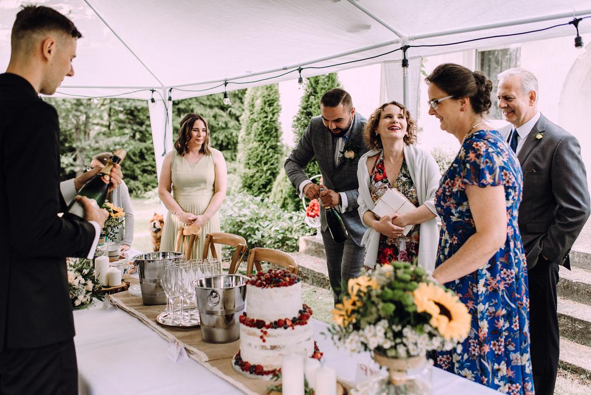 slow-wedding-przygotowania-slubne-apartamenty-sowa-slub-kosciol-sw-Trojcy-Bydgoszcz-wesele-pod-namiotem-garden-party-w-stylu-slow-Dominika-Tom-150