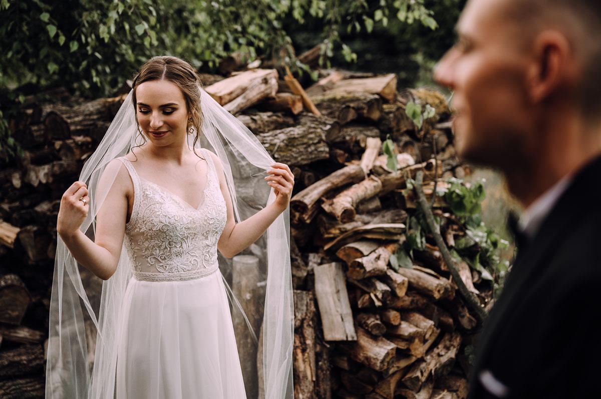 slow-wedding-przygotowania-slubne-apartamenty-sowa-slub-kosciol-sw-Trojcy-Bydgoszcz-wesele-pod-namiotem-garden-party-w-stylu-slow-Dominika-Tom-164