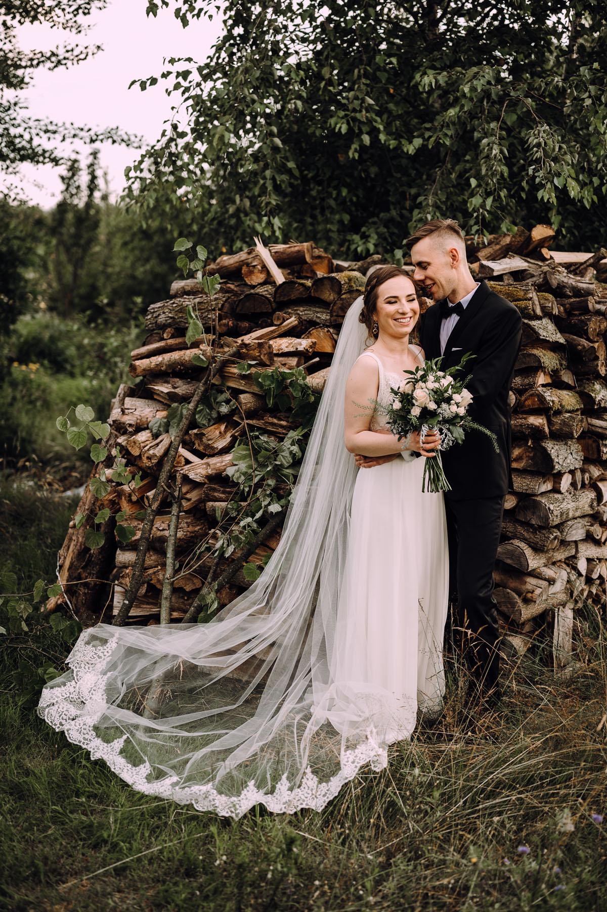 slow-wedding-przygotowania-slubne-apartamenty-sowa-slub-kosciol-sw-Trojcy-Bydgoszcz-wesele-pod-namiotem-garden-party-w-stylu-slow-Dominika-Tom-166
