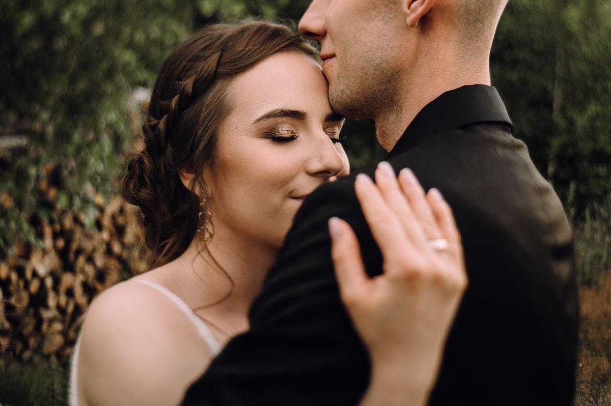slow-wedding-przygotowania-slubne-apartamenty-sowa-slub-kosciol-sw-Trojcy-Bydgoszcz-wesele-pod-namiotem-garden-party-w-stylu-slow-Dominika-Tom-170