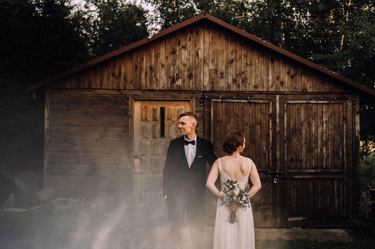 slow-wedding-przygotowania-slubne-apartamenty-sowa-slub-kosciol-sw-Trojcy-Bydgoszcz-wesele-pod-namiotem-garden-party-w-stylu-slow-Dominika-Tom-171