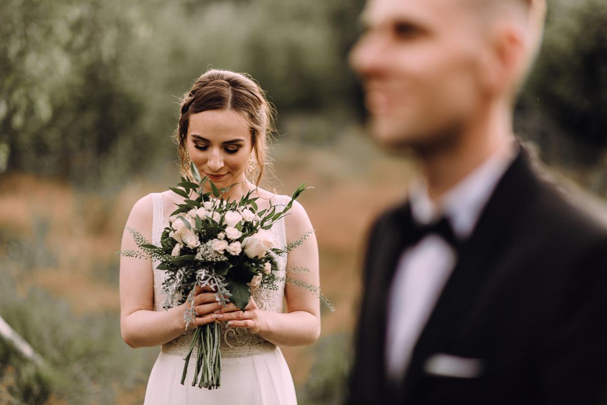 slow-wedding-przygotowania-slubne-apartamenty-sowa-slub-kosciol-sw-Trojcy-Bydgoszcz-wesele-pod-namiotem-garden-party-w-stylu-slow-Dominika-Tom-173