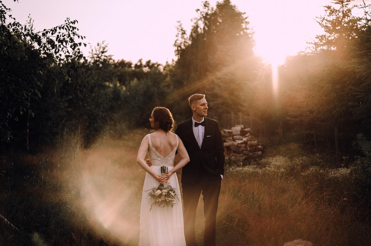 slow-wedding-przygotowania-slubne-apartamenty-sowa-slub-kosciol-sw-Trojcy-Bydgoszcz-wesele-pod-namiotem-garden-party-w-stylu-slow-Dominika-Tom-177