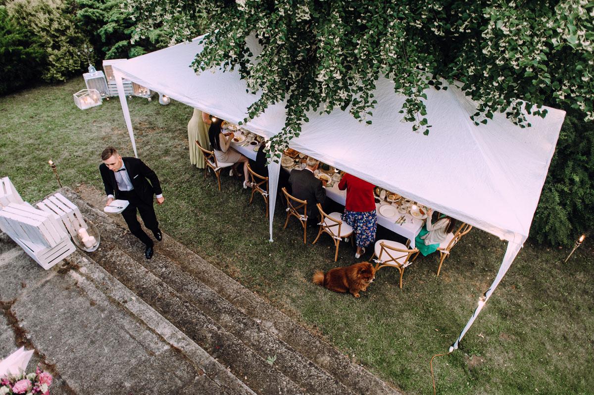 slow-wedding-przygotowania-slubne-apartamenty-sowa-slub-kosciol-sw-Trojcy-Bydgoszcz-wesele-pod-namiotem-garden-party-w-stylu-slow-Dominika-Tom-182