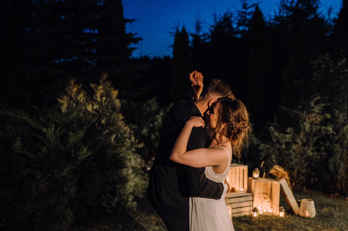 slow-wedding-przygotowania-slubne-apartamenty-sowa-slub-kosciol-sw-Trojcy-Bydgoszcz-wesele-pod-namiotem-garden-party-w-stylu-slow-Dominika-Tom-189