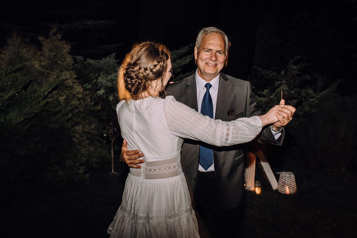 slow-wedding-przygotowania-slubne-apartamenty-sowa-slub-kosciol-sw-Trojcy-Bydgoszcz-wesele-pod-namiotem-garden-party-w-stylu-slow-Dominika-Tom-193