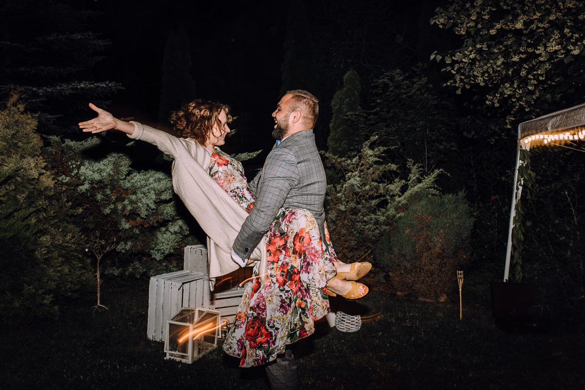 slow-wedding-przygotowania-slubne-apartamenty-sowa-slub-kosciol-sw-Trojcy-Bydgoszcz-wesele-pod-namiotem-garden-party-w-stylu-slow-Dominika-Tom-194
