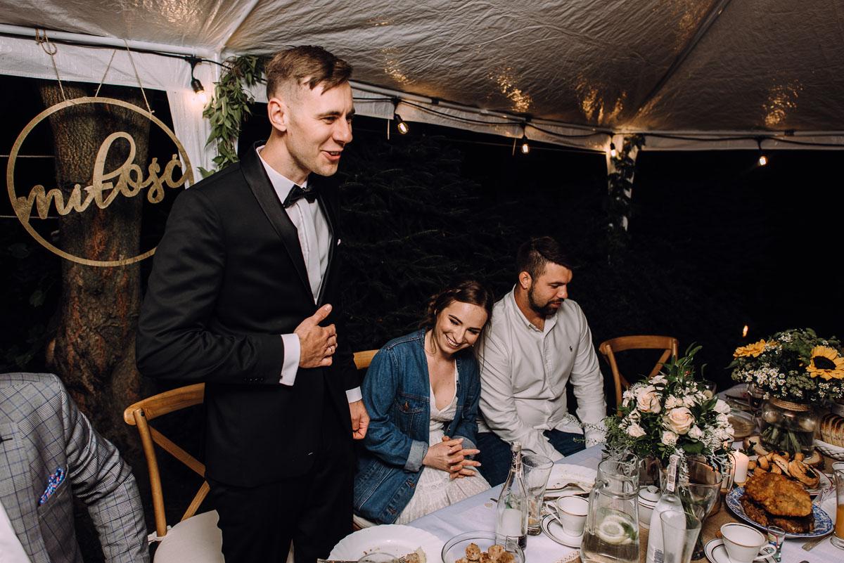 slow-wedding-przygotowania-slubne-apartamenty-sowa-slub-kosciol-sw-Trojcy-Bydgoszcz-wesele-pod-namiotem-garden-party-w-stylu-slow-Dominika-Tom-200