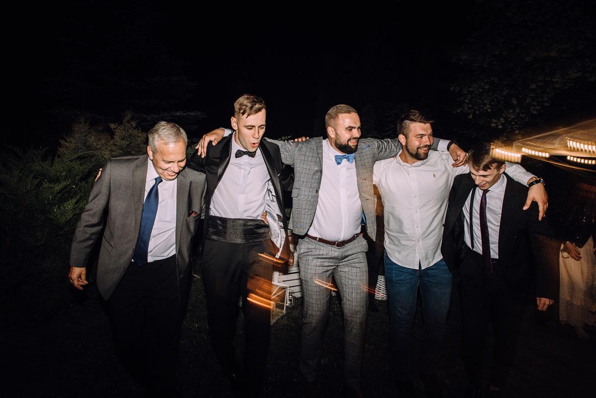 slow-wedding-przygotowania-slubne-apartamenty-sowa-slub-kosciol-sw-Trojcy-Bydgoszcz-wesele-pod-namiotem-garden-party-w-stylu-slow-Dominika-Tom-202