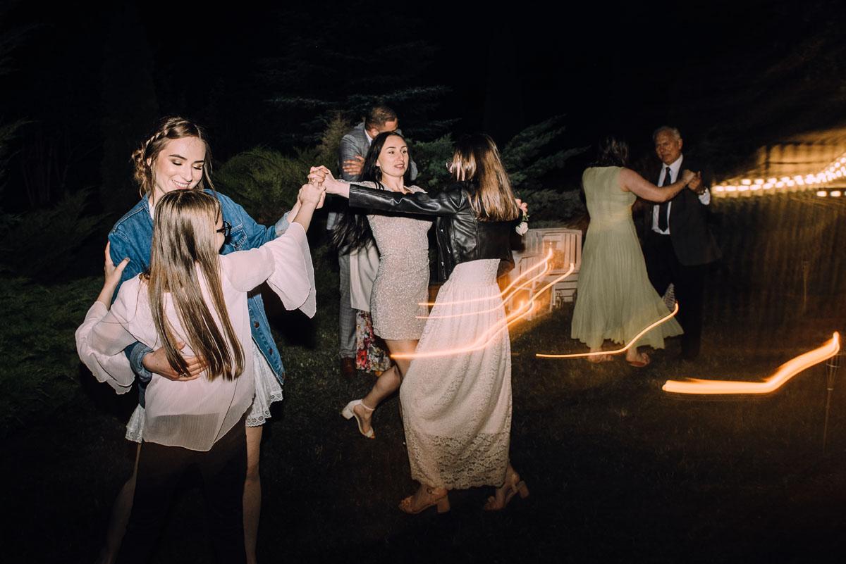 slow-wedding-przygotowania-slubne-apartamenty-sowa-slub-kosciol-sw-Trojcy-Bydgoszcz-wesele-pod-namiotem-garden-party-w-stylu-slow-Dominika-Tom-207